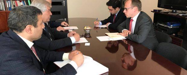 VHP sədri diplomatlarla görüşüb