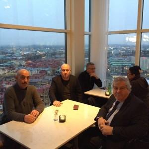 Photo of Sabir Rüstəmxanlı İsveçda yaşayan soydaşlarımızla görüşüb