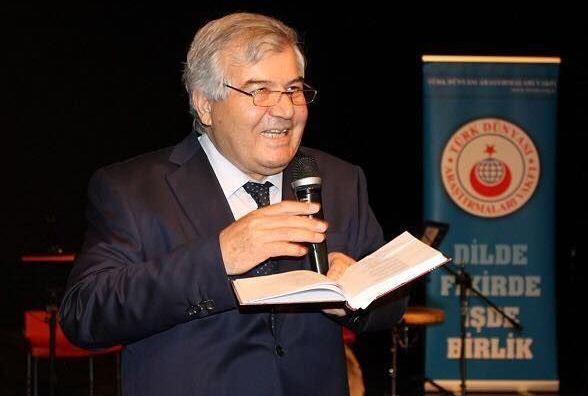 """Photo of Sabir Rüstəmxanlının """"Ölüm zirvəsi"""" İstanbulda təqdim edildi – FOTO"""