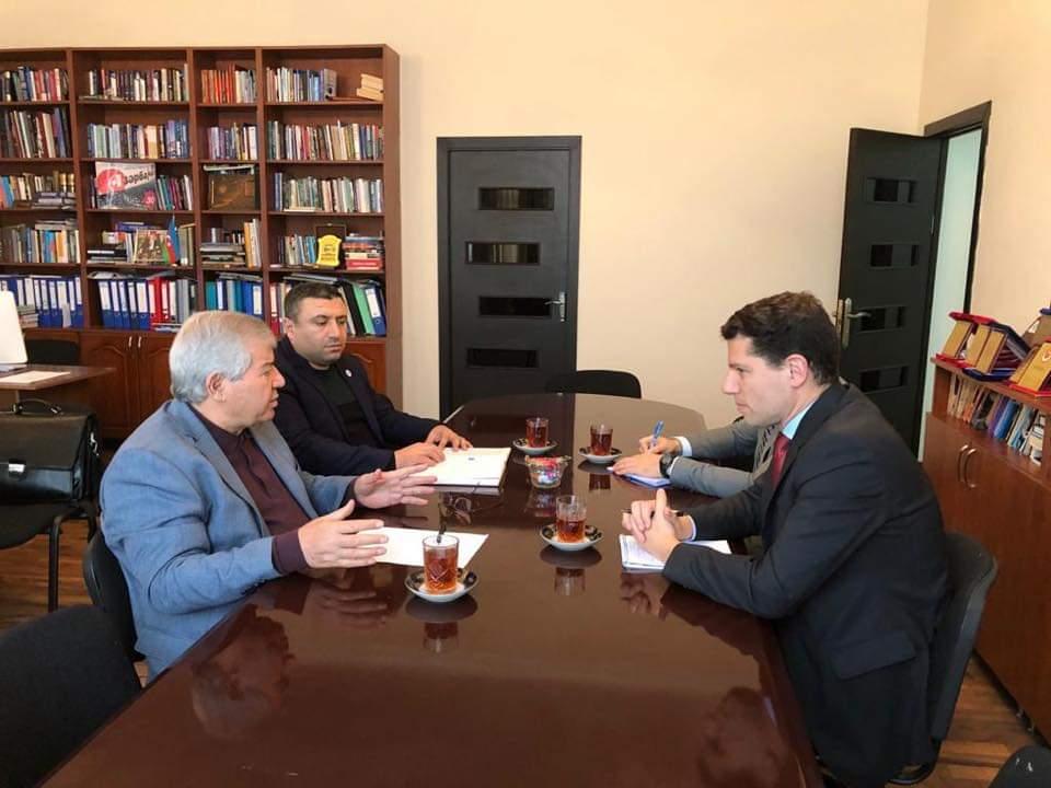 Photo of Sabir Rüstəmxanlı ABŞ diplomatı ilə görüşüb